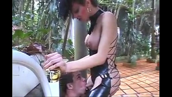 Horny shemale getting fucked outdoor