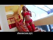 Gorgeous tranny Izadora Ribeiro shows us her curves